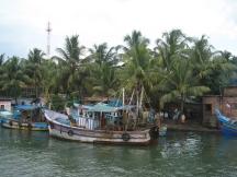 07 fischerboote in den backwaters