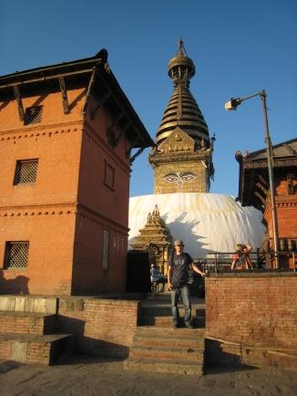 13 ronald vor der stupa von swayambhunath