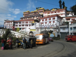 18 druk sangak choling monastery