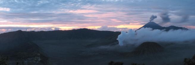 01 sonnenaufgang im bromo-tengger-semeru national park