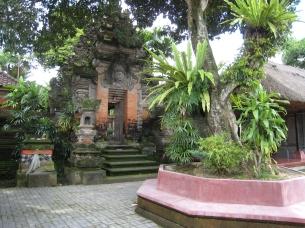 02 ubud palace