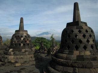 09 stupas auf den drei oberen ebenen