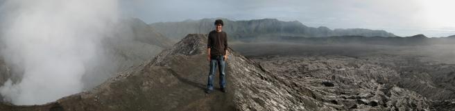 10 ronald auf dem kratergrat