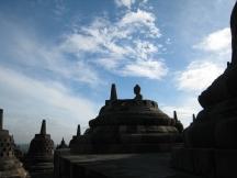 12 buddha aus einer stupa