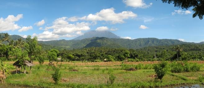 15 gunung agung (3142m)