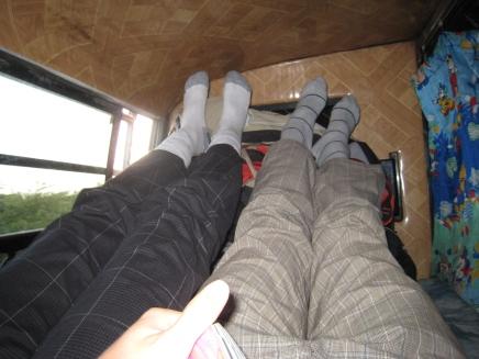 01 unsere schlafkabine im bus - nicht für europäer gemacht