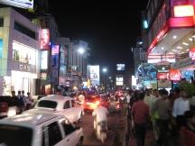 02 brigade road bei nacht