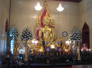 07 buddha aus 5,5 tonnen purem gold im wat traimit