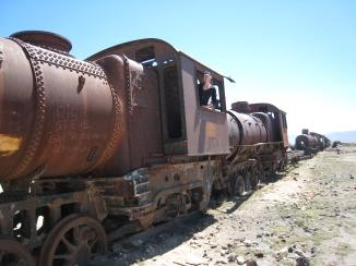 01 Ute als Lokführer auf dem Eisenbahnfriedhof
