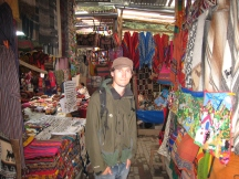 02 Shopping in Aguas Calientes