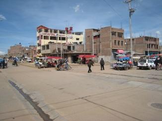 02 Stadtverkehr Puno (es gab wieder Fahrradrikschas)