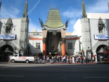 05 Chinese Theater mit dem Walk of Fame