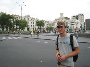 05 Ronald auf dem Plaza San Martin