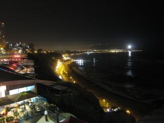 08 Stadtteil Miraflores bei Nacht