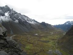 10 Auf Asphalt ging es die ersten 1000 Höhenmeter bergab