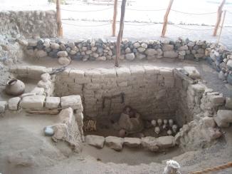 11 Freigelegte Grabstätte