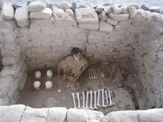 12 1000 Jahre alte Überreste der Nazca