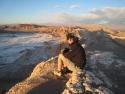12 Ute genießt den Sonnenuntergang über dem Valle de la Luna